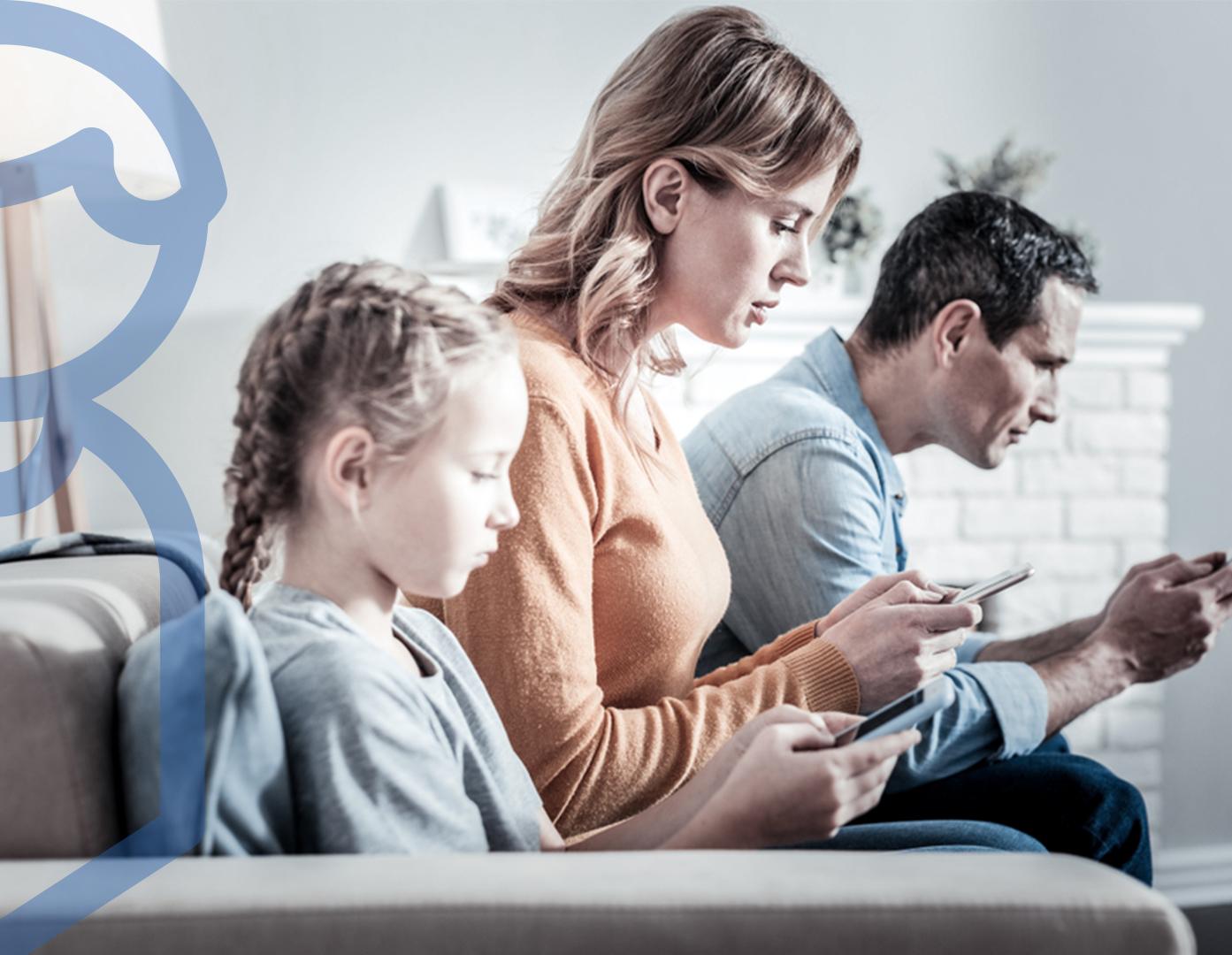 علاقة-الآباء-والأمهات-بالأبناء-في-ظل-وجود-التكنولوجيا